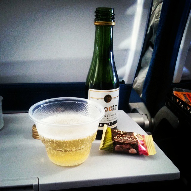 Hawaii bound!  A little bubbly some alohamacs and my honey. #lifeisgood #bubbly #Hawaii